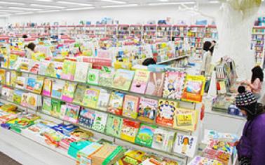 大きな児童書コーナー
